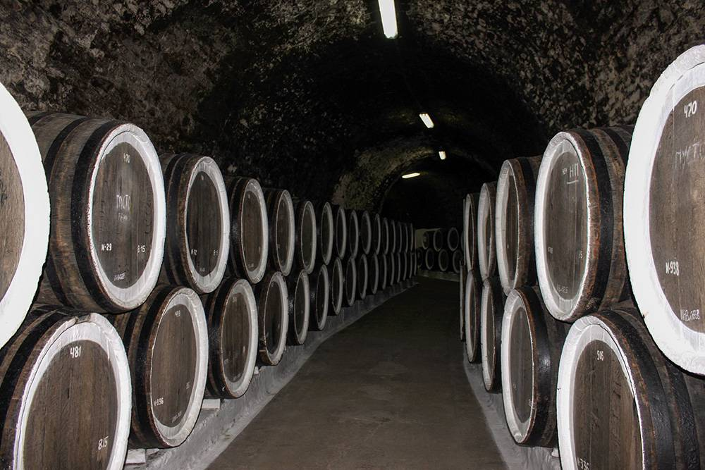 Князь Лев Голицын, основоположник российского виноделия, обустроил эти подвалы еще в 1888году
