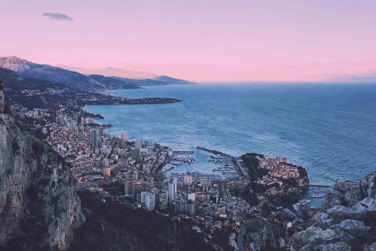 Монако вечером
