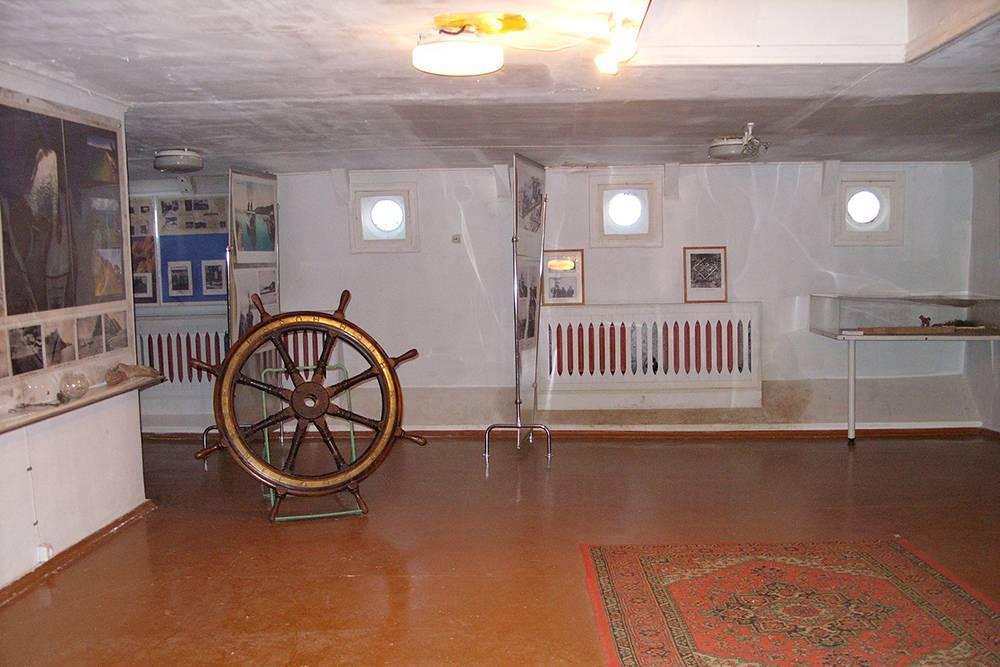 На ледоколе демонтировали каюты. Вместо них сделали выставочные залы. Источник:wikipedia.org