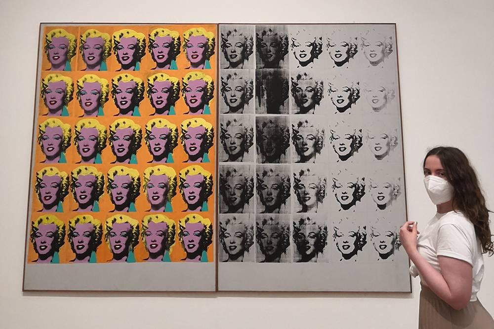 Это я рядом с работой Энди Уорхола «Диптих Мэрилин» в музее Людвига