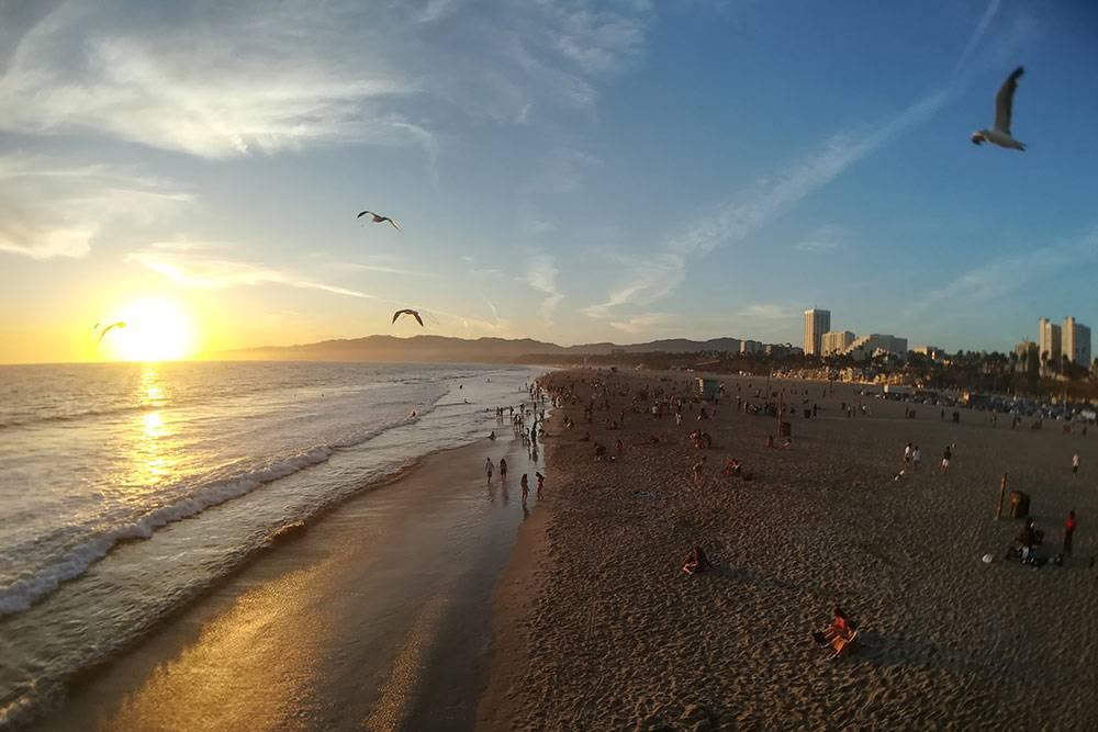 Вид на закат с пирса Санта-Моники