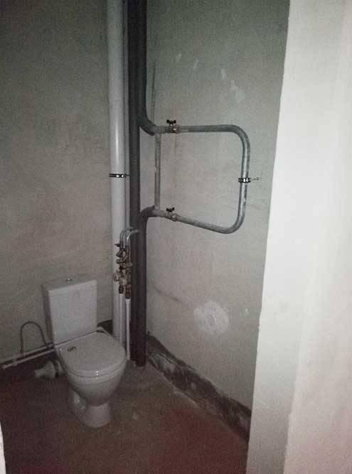 Изначально в квартире присутствовал только одинокий унитаз