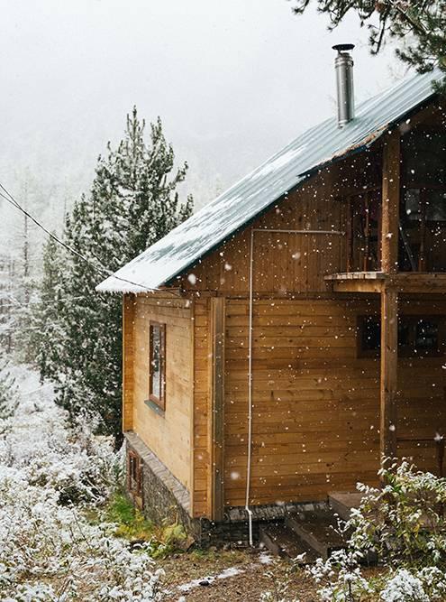 Наш домик в непогоду был настоящим спасением
