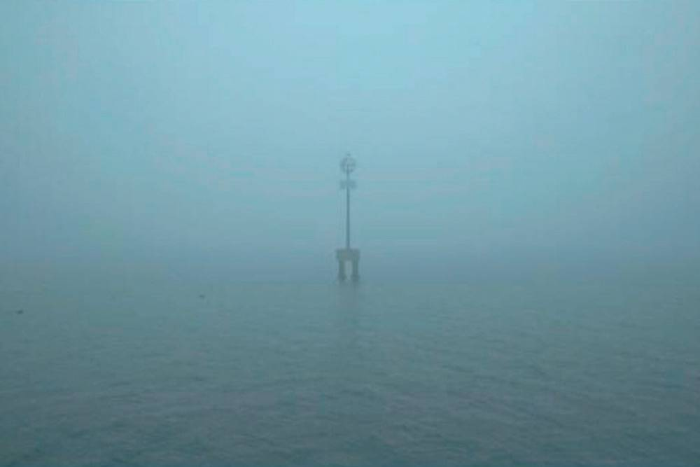 Знаменитые венецианские туманы полностью меняют облик города и затрудняют движение водного общественного транспорта