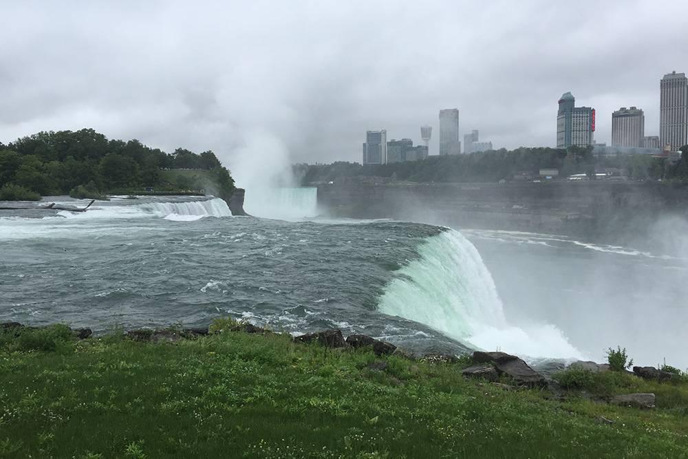 На падение воды можно смотреть бесконечно