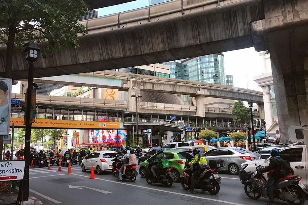 Обеденные пробки в центре города
