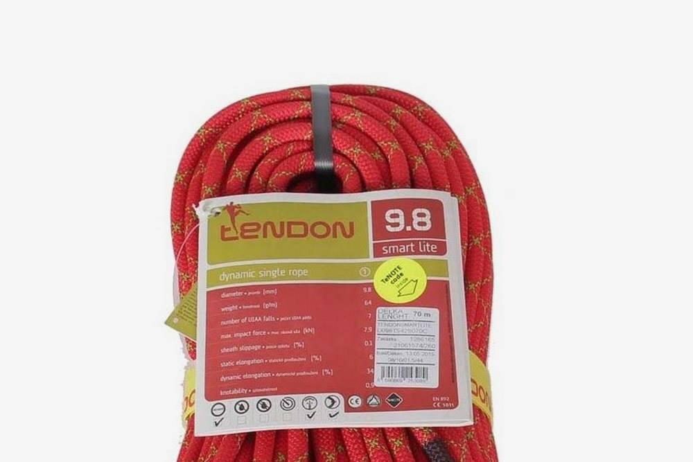 Характеристики веревки написаны в ее паспорте. Это динамическая — dynamic — веревка фирмы Tendon толщиной 9,8 мм и длиной 70 м