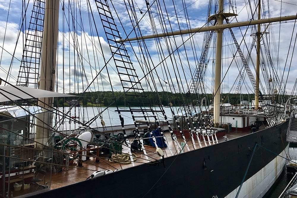 Шведское грузовое судно «Померан» превратили в музей. Этот корабль прошел через две мировые войны. Он перевозил грузы в Австралию