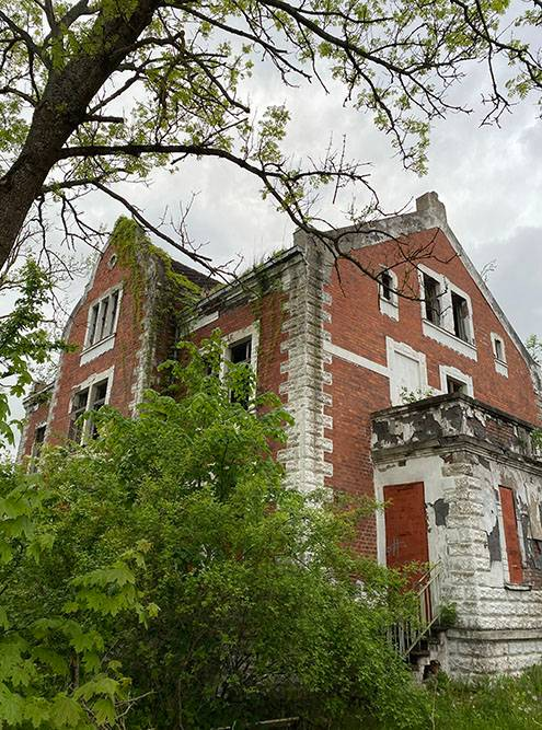 Усадьба Рихтера — одно из старых зданий довоенного времени в Правдинске. Жаль, что оно постепенно разрушается