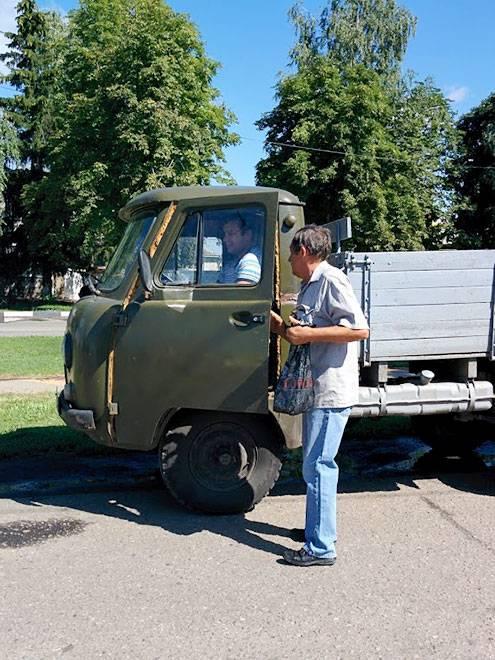 Он выезжает на объекты водоканала по всему Краснояружскому району