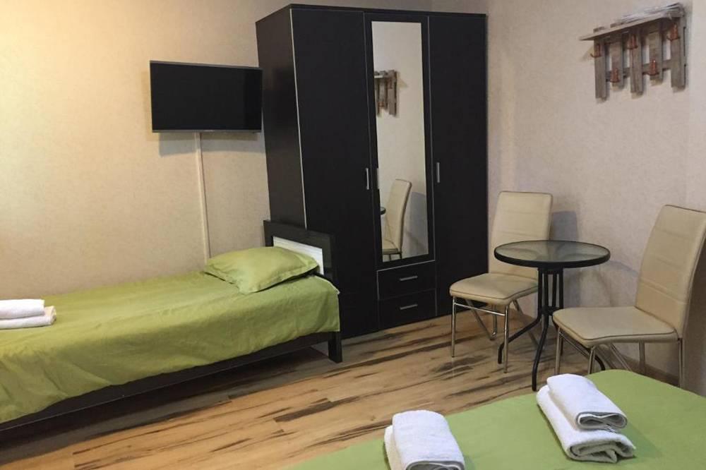 В таком номере мы жили в центре Тбилиси в августе 2017&nbsp;года вчетвером. За две ночи отдали 4552<span class=ruble>Р</span>. В цену номера в отеле Mariali, ныне Maria, входил очень сытный завтрак
