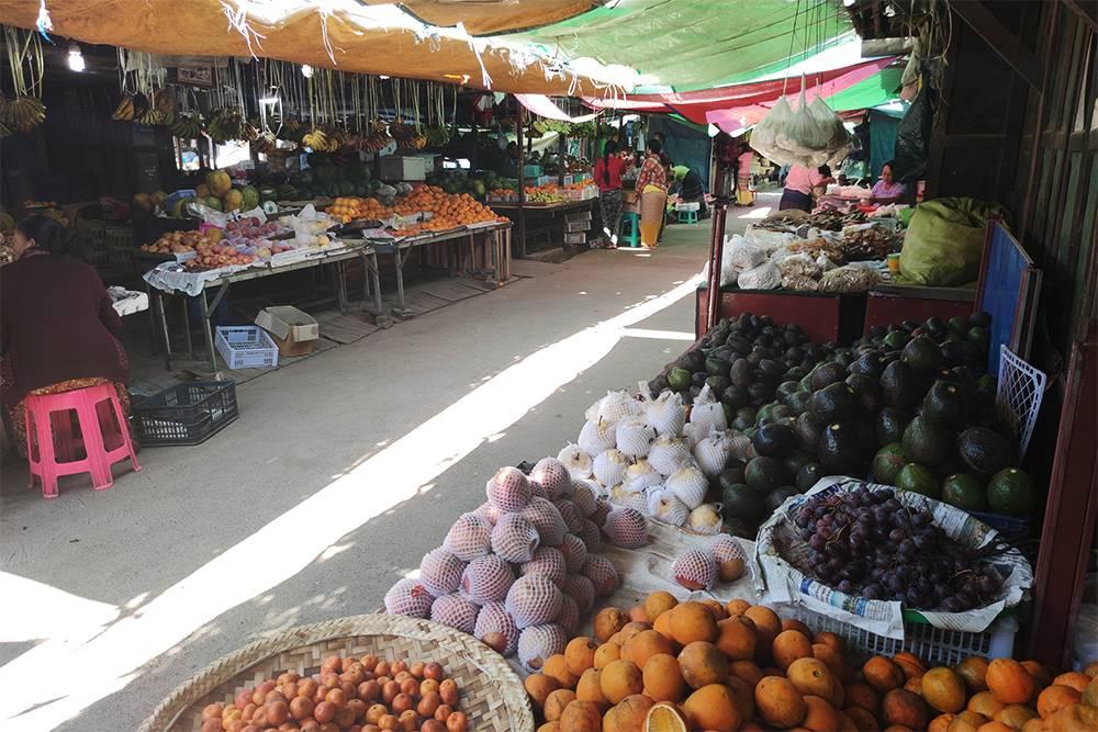 На рынке около Инле мы купили самые вкусные в мире авокадо