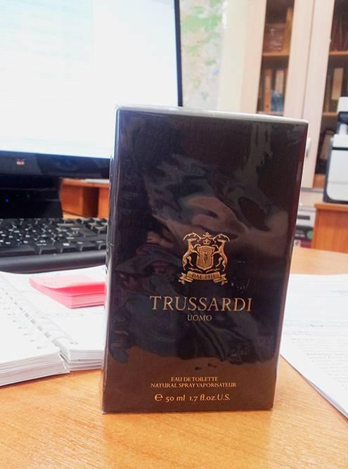 Один из парфюмов, который я подарила супругу