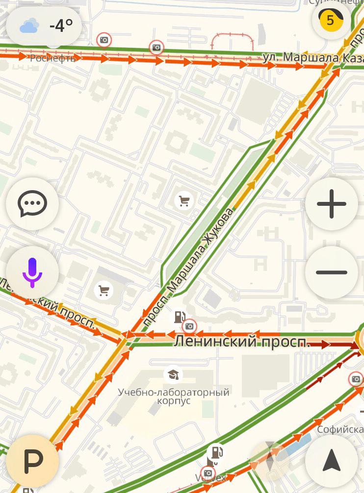 Пример высокой транспортной загруженности — выезд из Красносельского района СПб. Здесь ситуация на дорогах в 10 часов утра