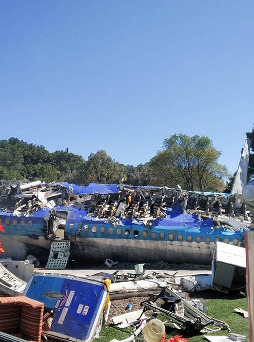 Еще мы увидели обломки настоящего «Боинга 747» на месте съемок «Войны миров» с Томом Крузом. У меня до сих пор от него мурашки