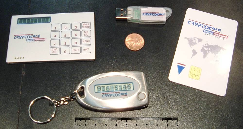 Так выглядит токен — защищенная флешка, на которой хранят сертификат электронной подписи. Источник: Википедия