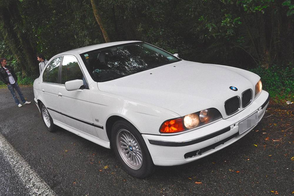 Моя первая машина в Новой Зеландии — БМВ523i 1997года. Я купил ее за 3800новозеландских долларов