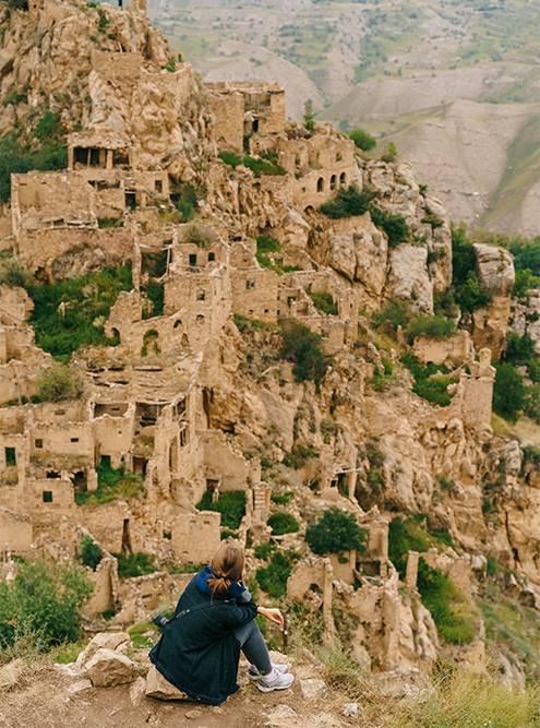 Вид на заброшенный поселок Гамсутль