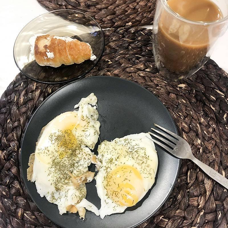 Ем свой завтрак