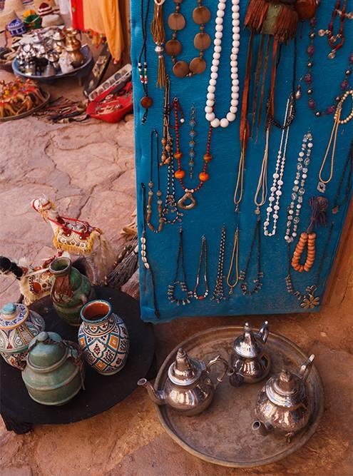 Но я предпочитаю покупать берберские украшения ручной работы. Они&nbsp;стоят от 20 Dh (165<span class=ruble>Р</span>)
