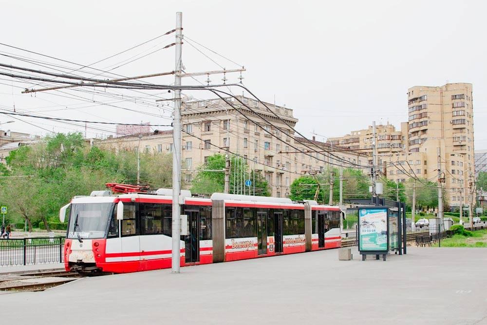 Так выглядит подземный трамвай, когда едет на поверхности