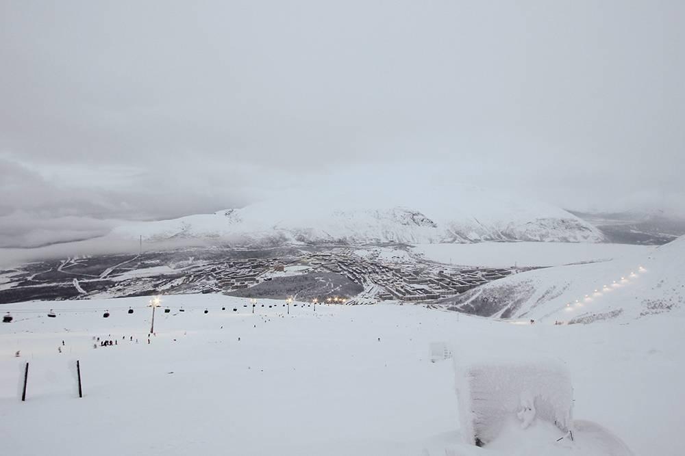 Вид на Кировск со склона