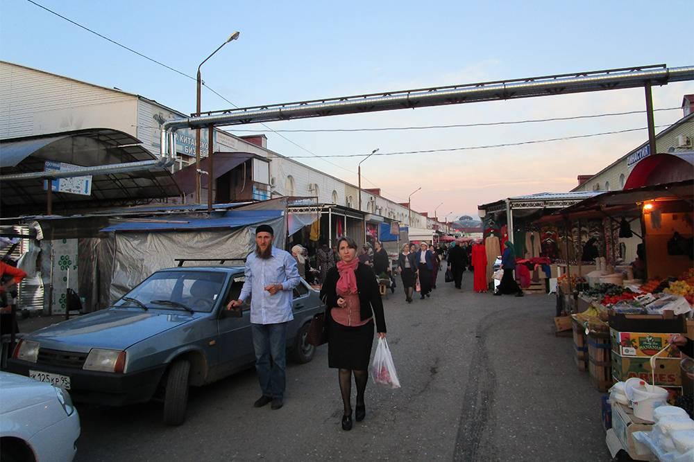 Местные жители охотно общаются с туристами и рассказывают о Чечне