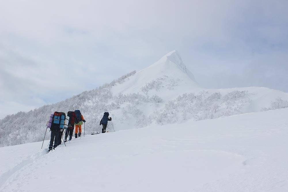Поднимаемся вгору наЗападном Кавказе вянваре 2015года
