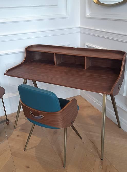 Увидела стол, который теперь хочу себе в квартиру