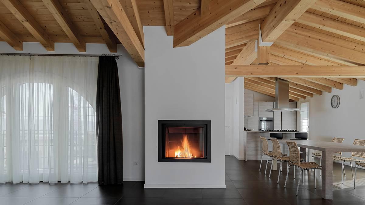 Уютно и тепло: как сделать камин в частном доме
