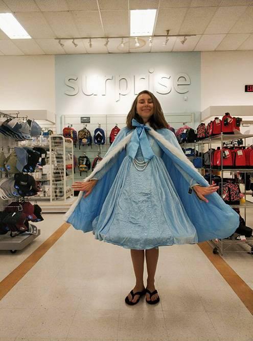 Костюм Эльзы или Снежной королевы на ребенка 12 лет за 17$ (1280<span class=ruble>Р</span>)