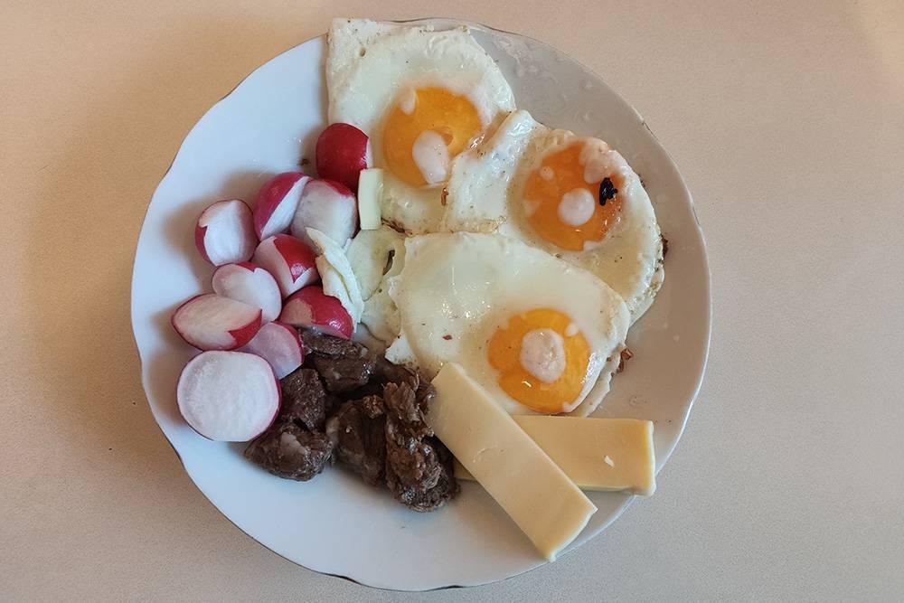 Яичницу даже мужчины умеют готовить