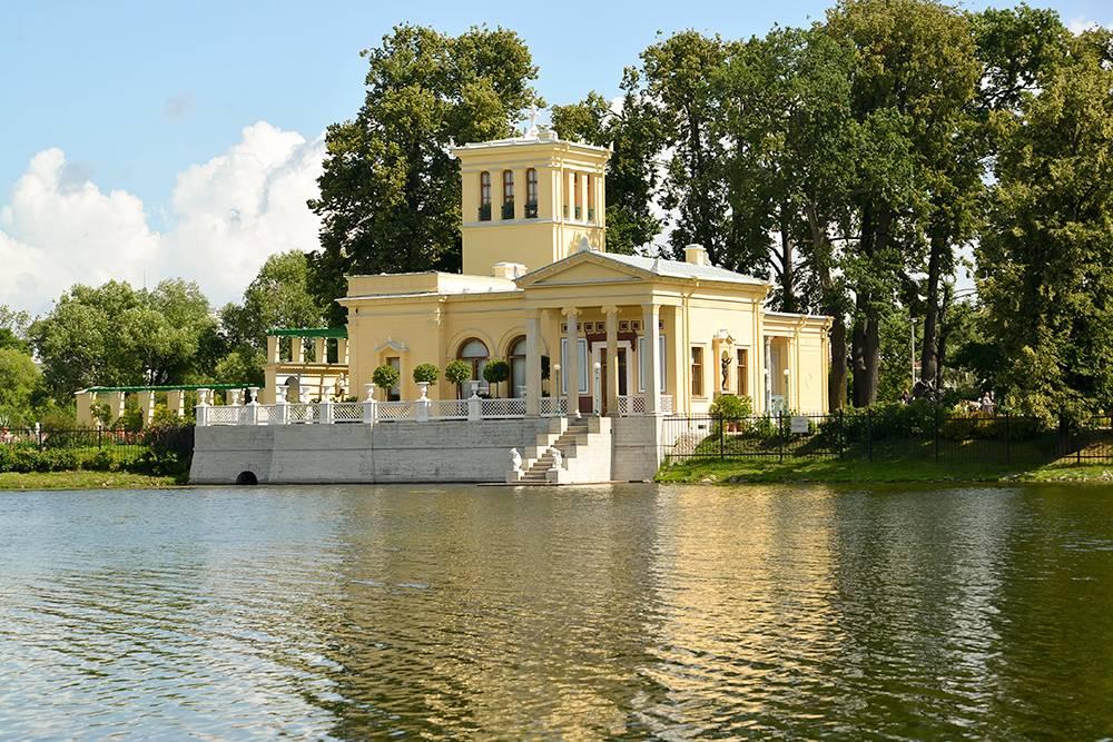 В царские павильоны я не заходила, но снаружи выглядят очень интересно. Источник: Irina Borsuchenko / Shutterstock