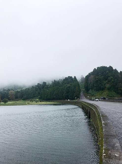 Пешие маршруты вокруг озер начинаются из центра города Сети-Сидадиш