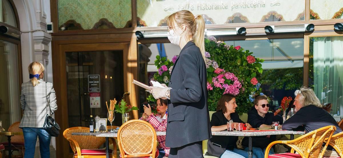 В Москве и Подмосковье отменят систему QR-кодов в ресторанах и кафе
