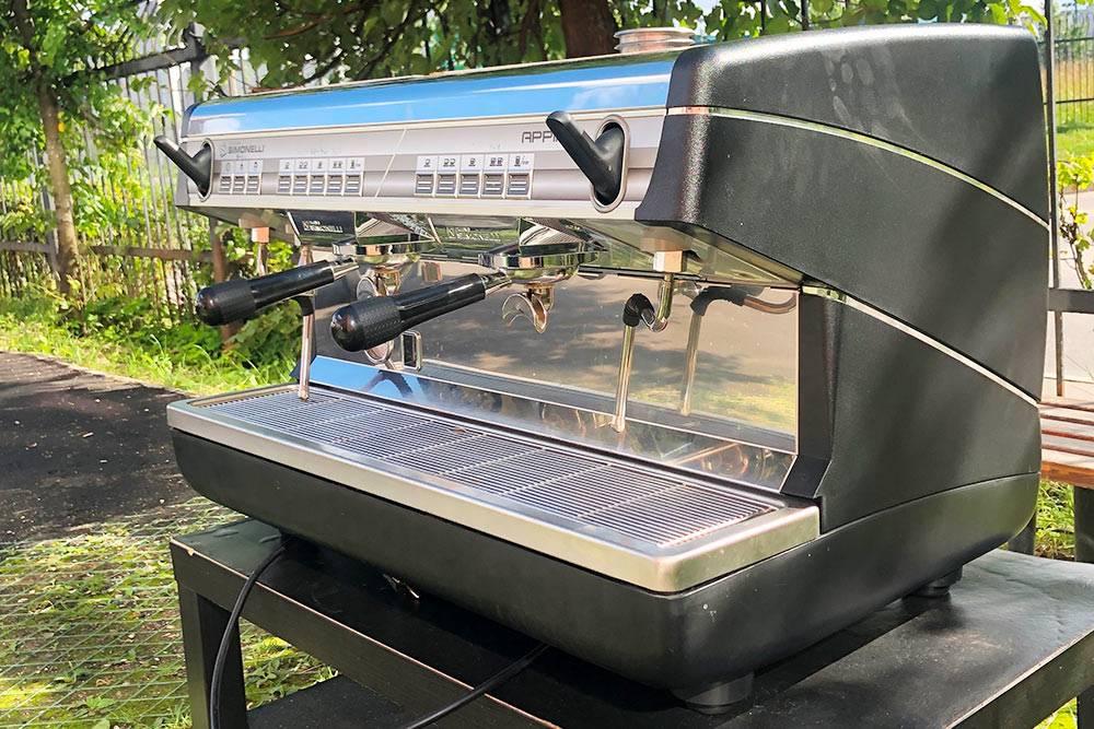 В итоге кофемашина Nuova Simonelli Appia&nbsp;II и кофемолка хорошо послужили нам три года, и мы продали их на «Авито» за&nbsp;135 000<span class=ruble>Р</span>