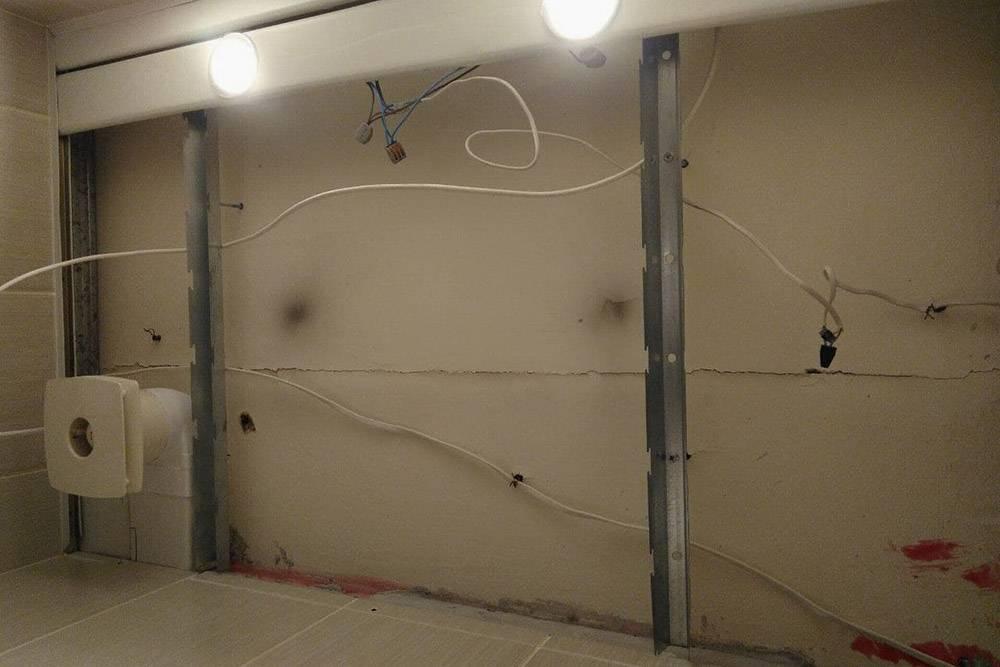 Неповторимая атмосфера ремонта — 2. Это потолок в туалете