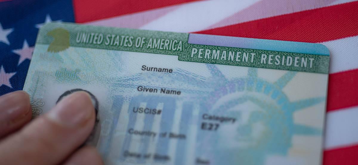 Правительство США открыло прием заявок на участие в лотерее грин-карт