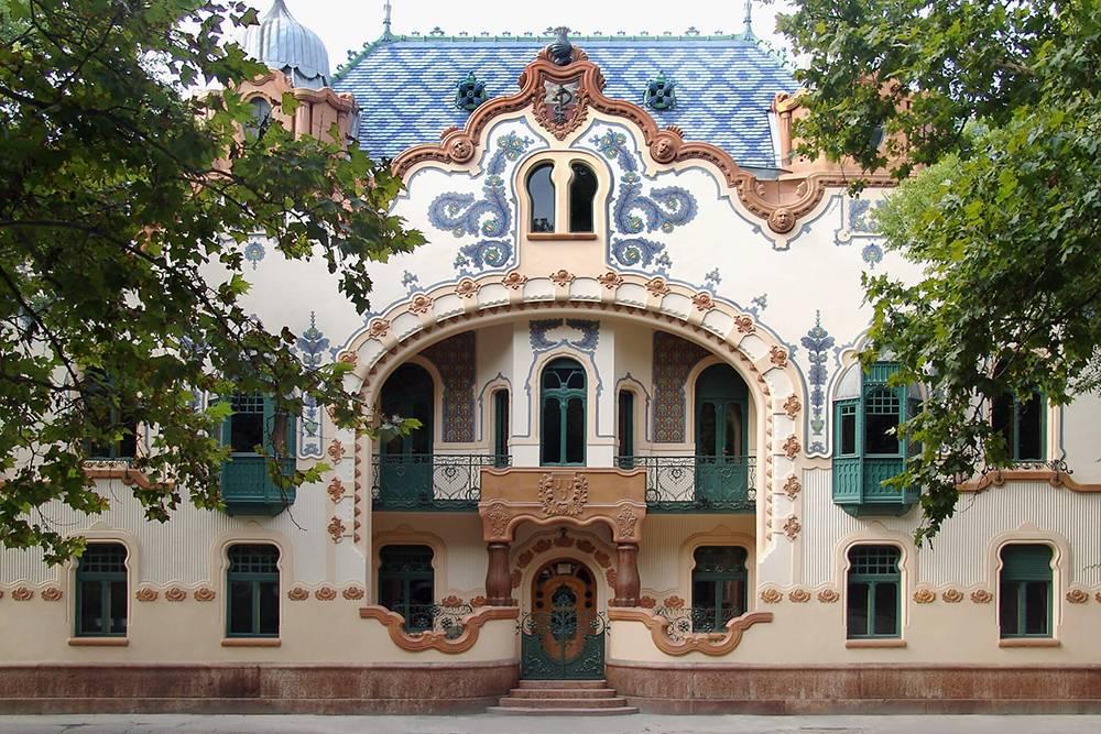 Архитектор Райхль строил дворец как дом и офис. Сейчас здесь находится Галерея современного искусства. Источник: sgsu.org.rs