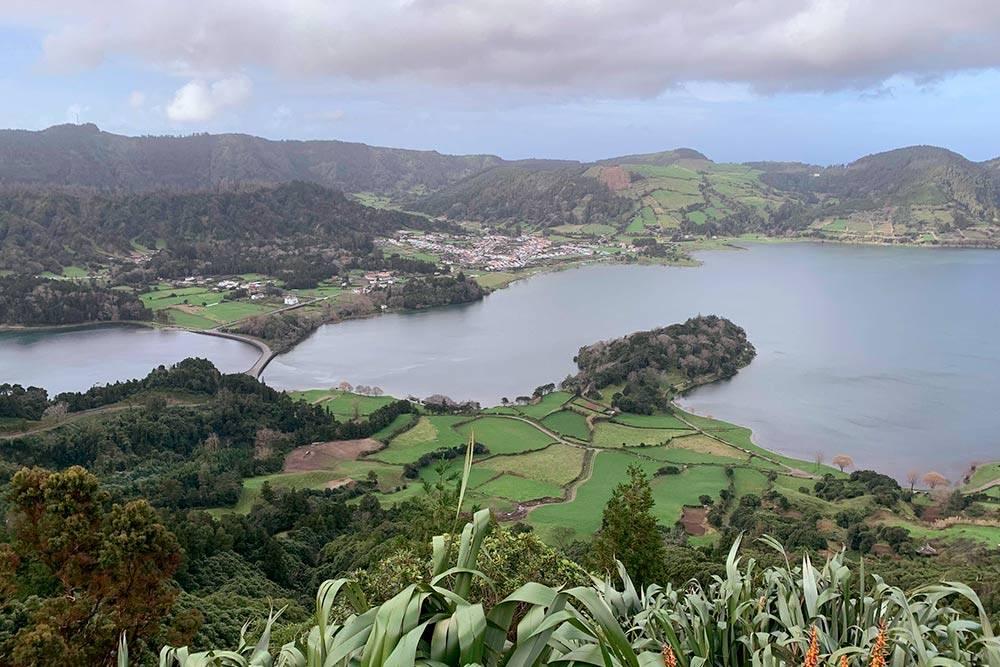 Озера Сете-Сидадеш на Сан-Мигеле