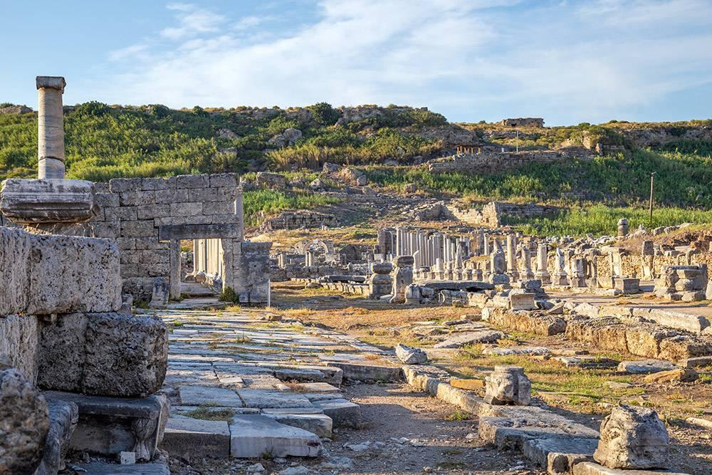 80% экспозиции археологического музея Антальи привезли с раскопок в Перге. Источник: oykuozgu / Depositephotos
