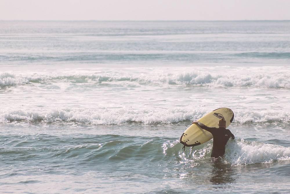 Серфинг во Владивостоке часто сравнивают с камчатским из-за его постоянства и силы волн