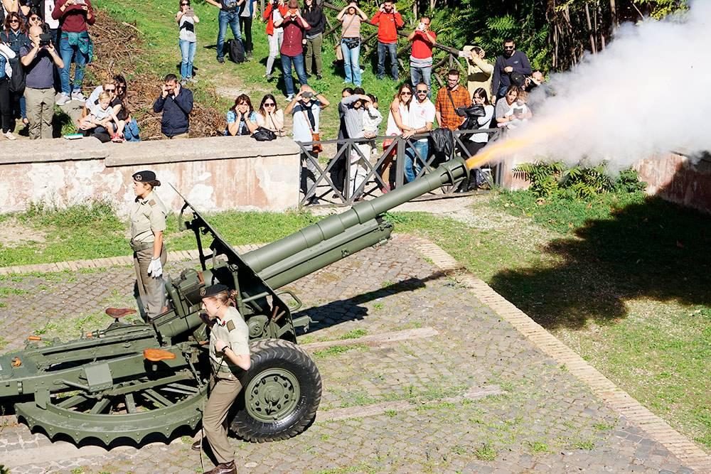 Пушка на холме Джаниколо. Источник: Massimo Salesi / Shutterstock