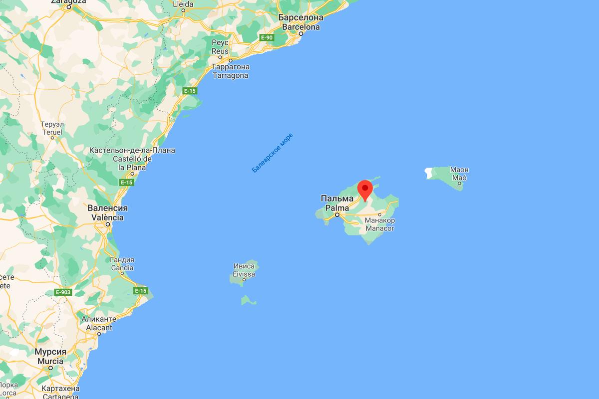 Добраться до Мальорки из Барселоны можно паромом за 7 часов или самолетом за 20 минут