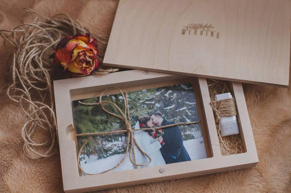 Заказ клиента: флешка в подарочной упаковке и 15 распечатанных фотографий