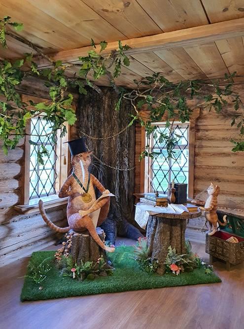 Для детей есть музей с героями сказок Пушкина, сыну понравилось
