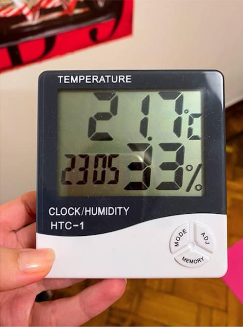 Влажность воздуха, когда увлажнитель был выключен несколько дней. Чувствуется сильная стянутость кожи