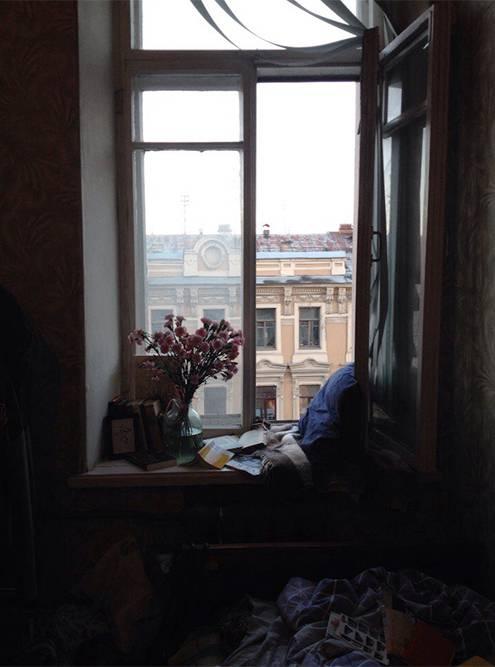 Из окна комнаты на Среднем я видела дом, где потом купила нынешнюю комнату