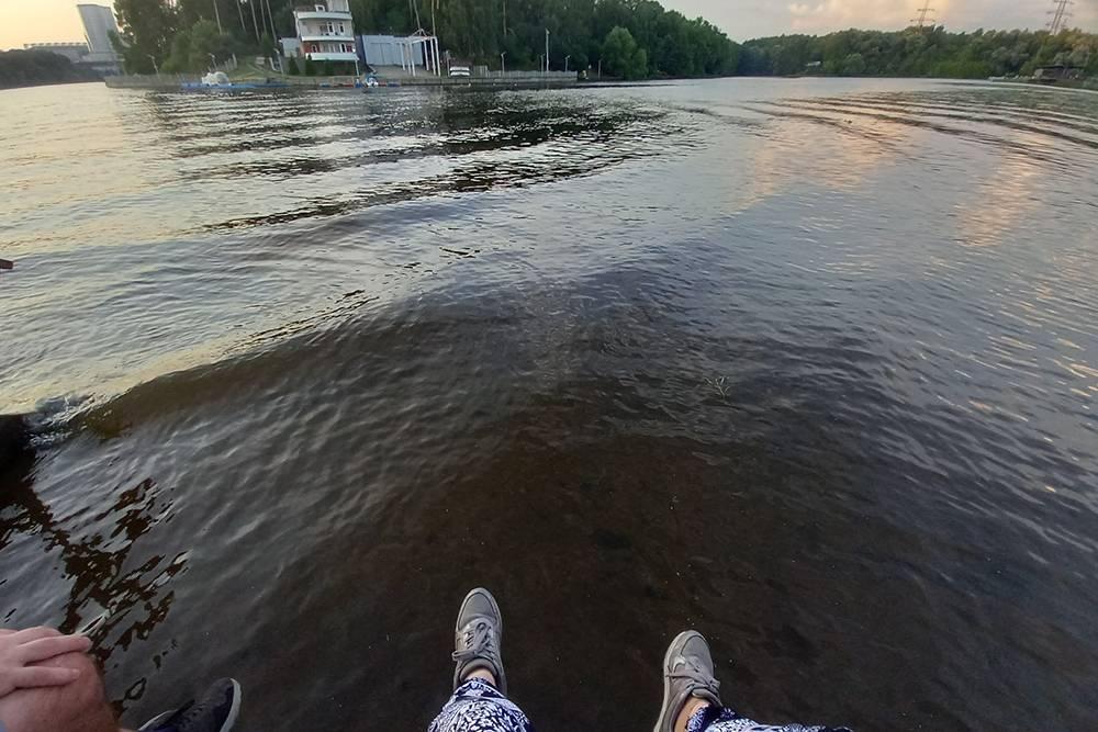 Мы с П. часто гуляем у воды