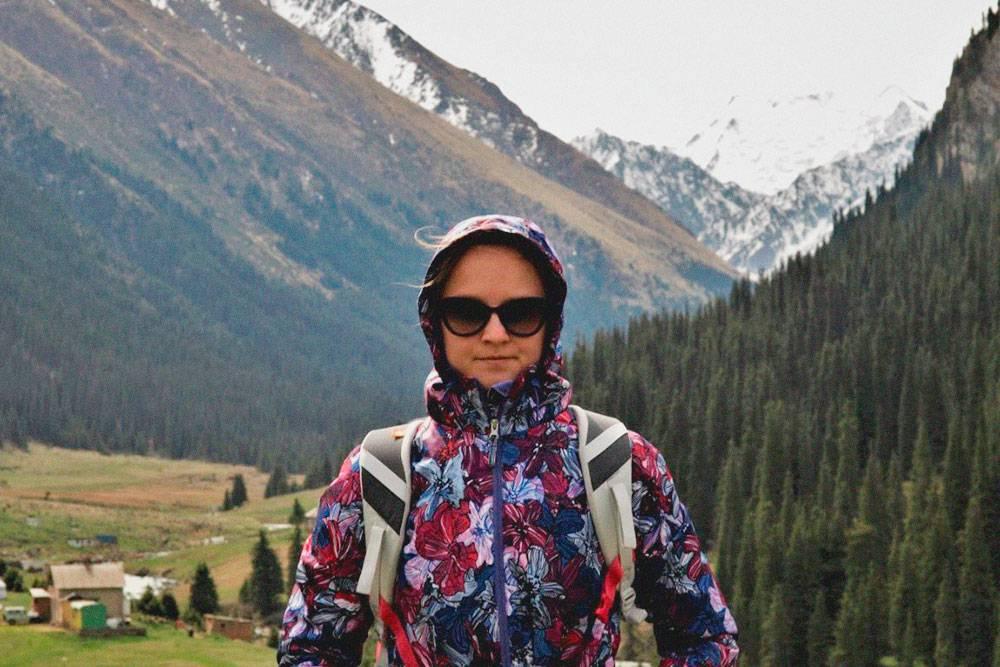 Утром в горах пришлось надевать теплую куртку: ночью холодает до нуля